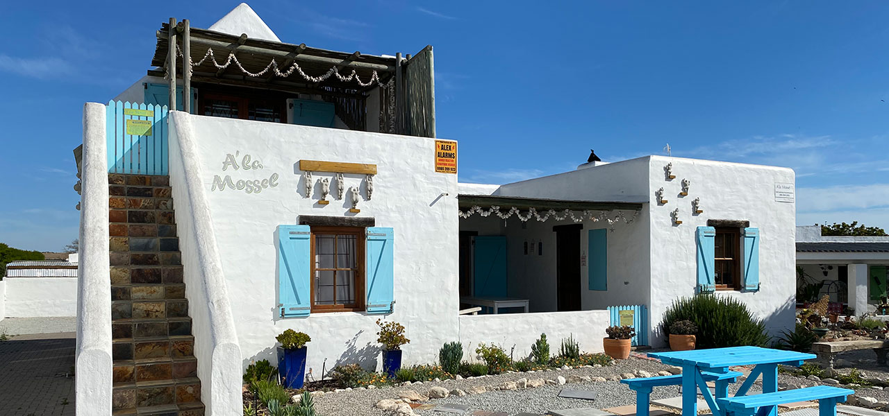 A'la Mossel 2 (Upstairs), paternoster self-catering accommodation, book self catering accommodation, western cape, west coast accommodation, paternoster accommodation