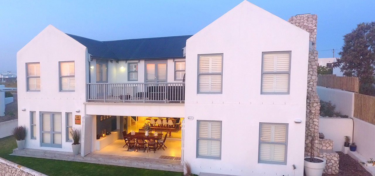 Gezellig, paternoster self-catering accommodation, 4 Bedrooms, book self catering accommodation, western cape, west coast accommodation, paternoster accommodation